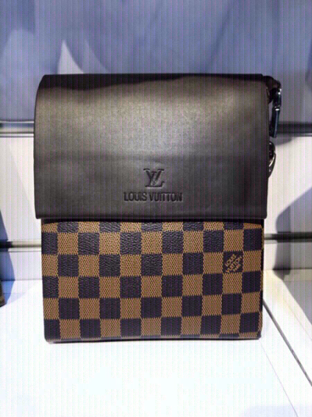 Used Gucci messenger bag small in Dubai, UAE