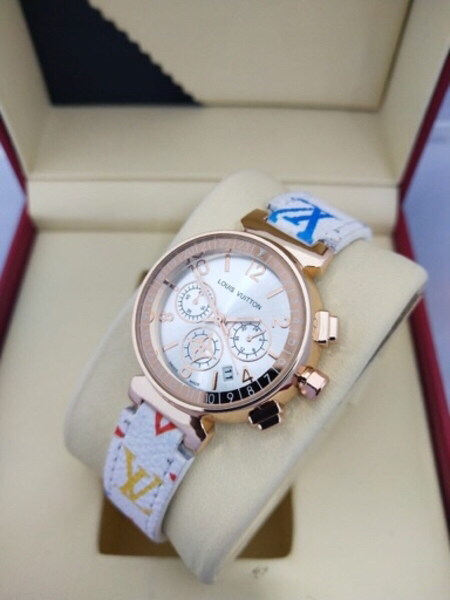 Used Watch for her in Dubai, UAE