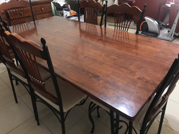 Used Dinning table with or without chairs in Dubai, UAE