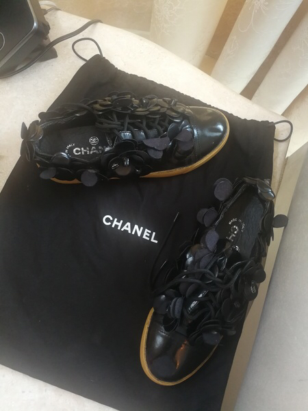 Used AUTHENTIC VINTAGE CHANEL SNEAKERS.SIZE37 in Dubai, UAE