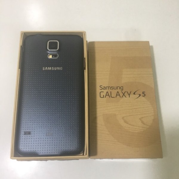 Used Samsung Galaxy s5 16 gb in Dubai, UAE