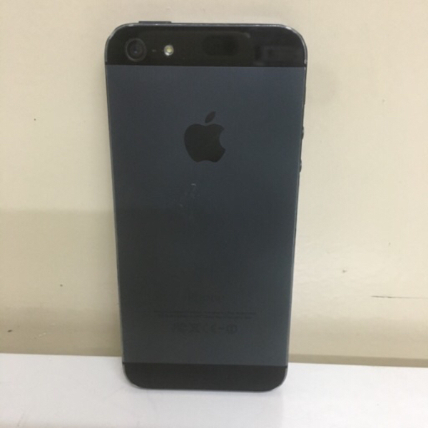 Used Iphone 5 nice phone cover # I cloud lock in Dubai, UAE