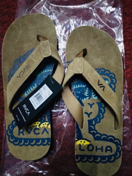 Used RVCA MEN'S SLIPPER in Dubai, UAE