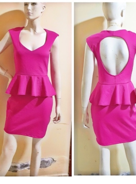 Used Pink elegant dress;medium size in Dubai, UAE