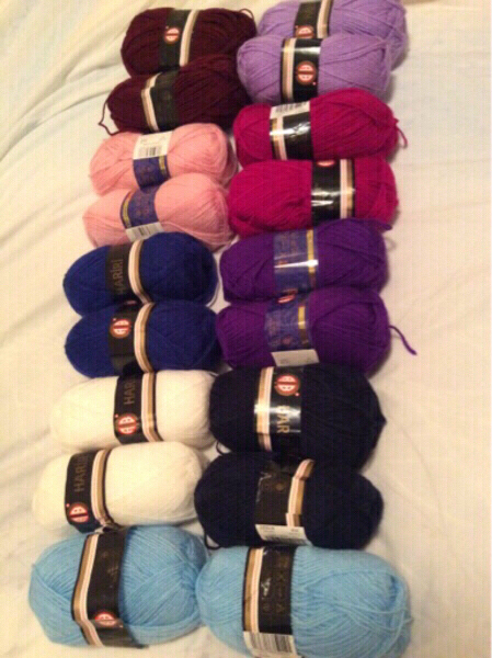 Used 30 pcs of different color bundle in Dubai, UAE