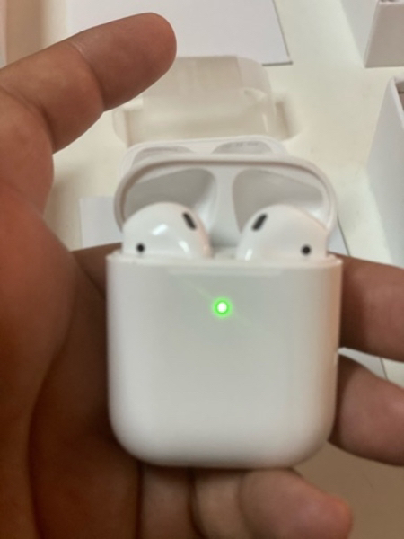 Used Apple Airpods 2 wireless 0557675124 in Dubai, UAE