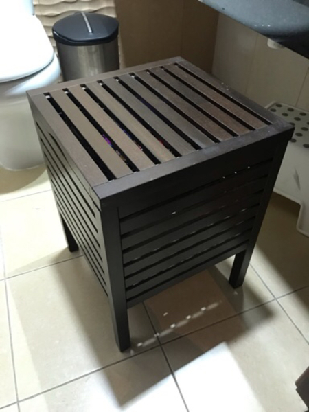 Used Towel rack / storage in Dubai, UAE
