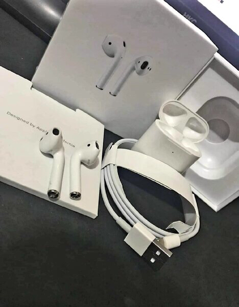 Used Airpods Gen 2 First Class Copy💥💥💥 in Dubai, UAE