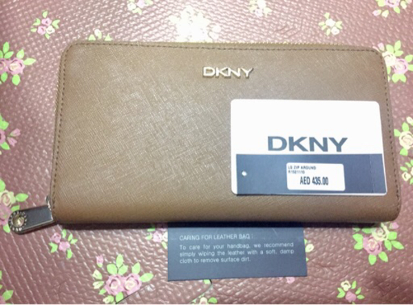 Used DKNY long zip wallet(original) in Dubai, UAE