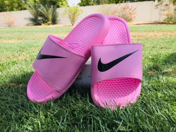 Used Light weight slippers in Dubai, UAE