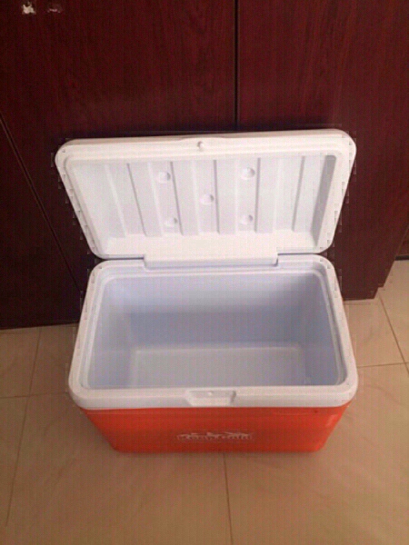 Used Cool box with water cooler new in Dubai, UAE