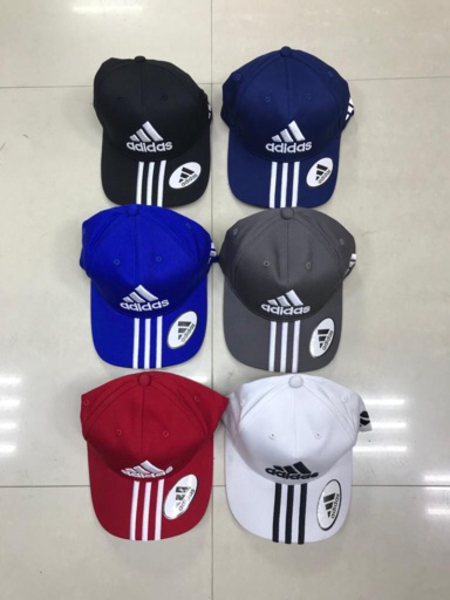 Used Caps 4 Pcs Adidas in Dubai, UAE