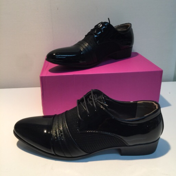 Used Official professional man shoes size 45 in Dubai, UAE