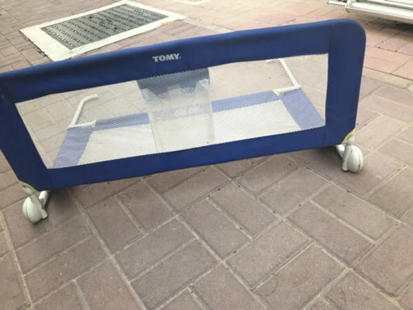 Used Toddler bed rail, v. Good condition in Dubai, UAE