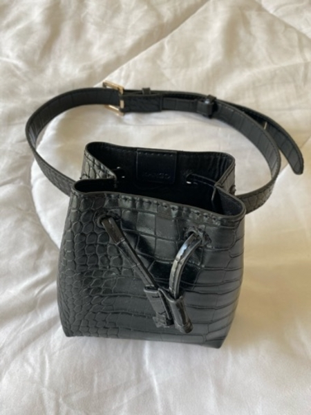 Used Mango belt bag in Dubai, UAE