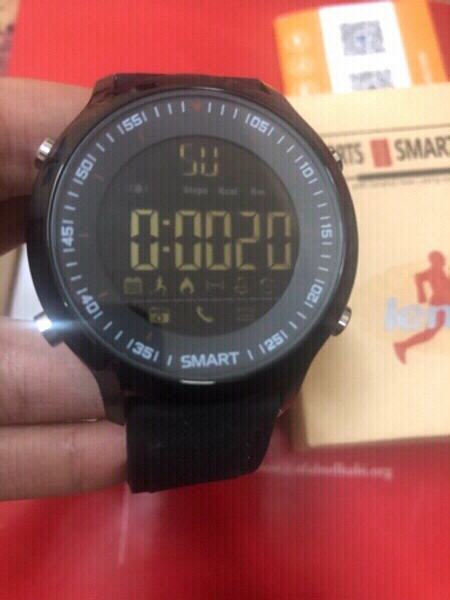 Used smart Bluetooth watch in Dubai, UAE