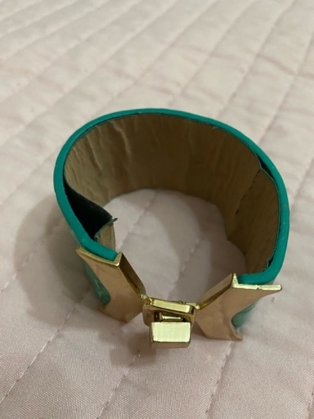 Used bracelet blue in Dubai, UAE