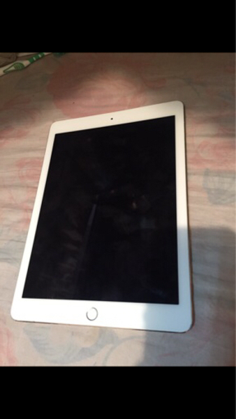 Used Ipad air2 SIM card no power plz read#3 in Dubai, UAE