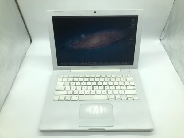 Used 13 inch Apple MacBook in Dubai, UAE