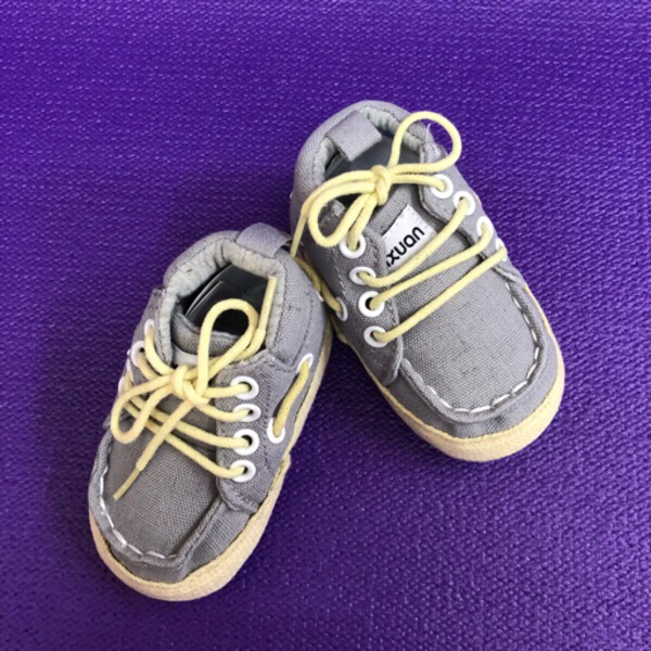 Used Shoes & Pacifier Holder in Dubai, UAE