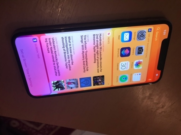 Used iPhoneX 64gb all sensors working in Dubai, UAE
