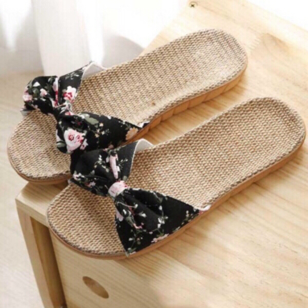 Used 3 pairs of sandals size 37-38/39-40 + 40 in Dubai, UAE