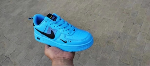 Used NIKE AIR UNISEX SHOES 36 to 44 blue in Dubai, UAE