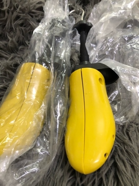 Used Shoes Expanders 2pc 36/42 in Dubai, UAE