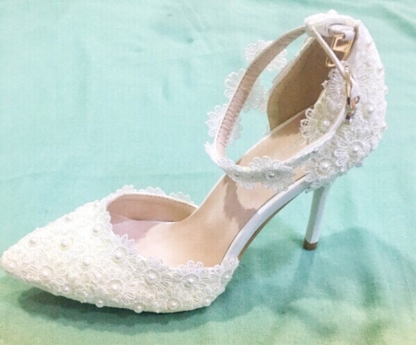 Used Women heels sandals white Lace Pearls ❤️ in Dubai, UAE