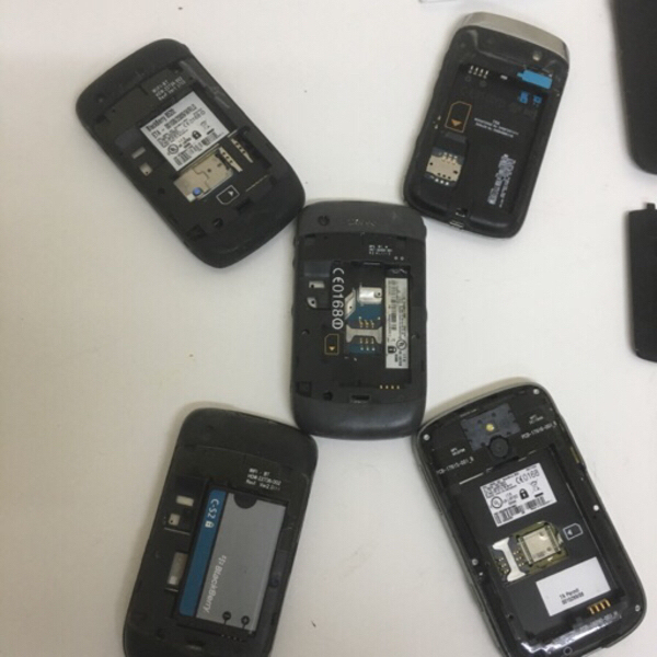 Used 5 blackberry phones for spare parts in Dubai, UAE
