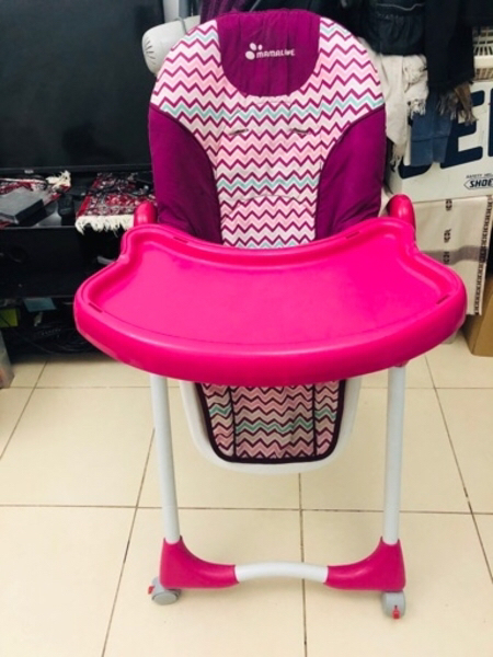Used FEEDING CHAIR AND BATH CHAIR FOR INFANT in Dubai, UAE