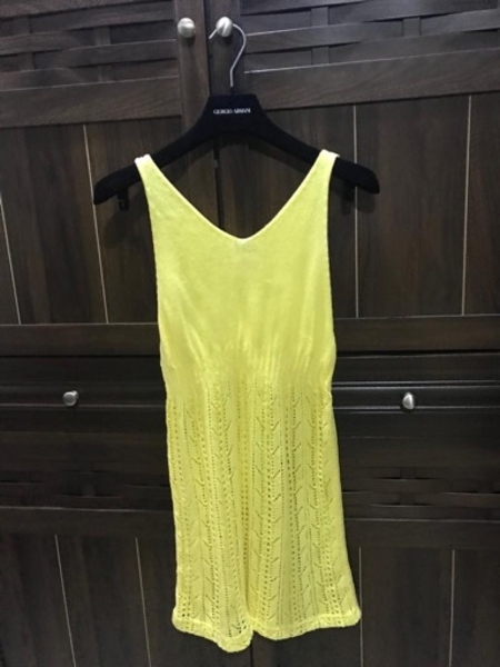 Used Yellow and blue tops in Dubai, UAE