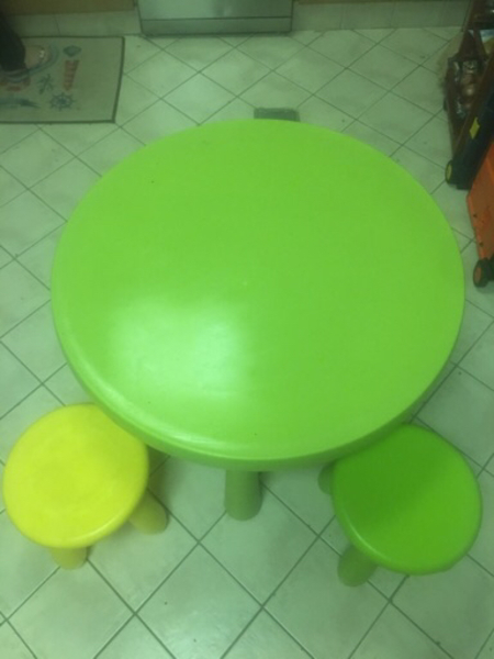 Used Kid's table+with 2school bags in Dubai, UAE