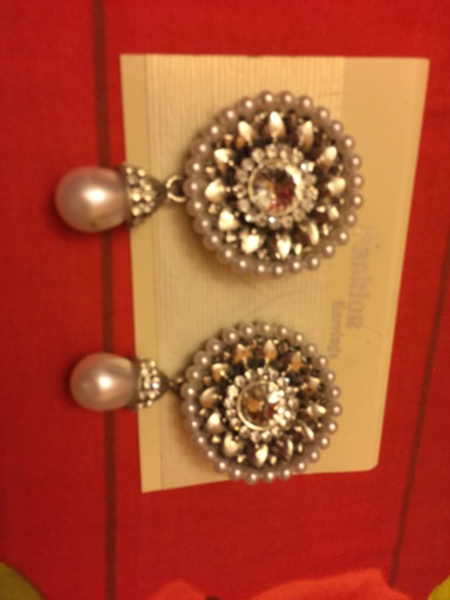 Used Pearl earnings + big stones ring in Dubai, UAE