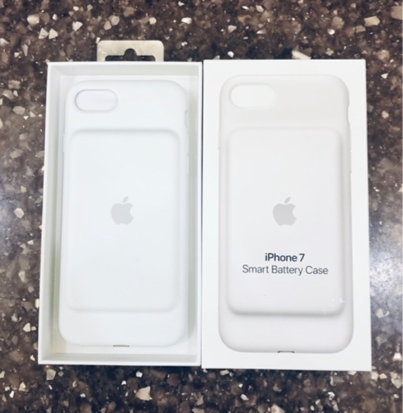 Used IPhone 7,8 original Battery case in Dubai, UAE
