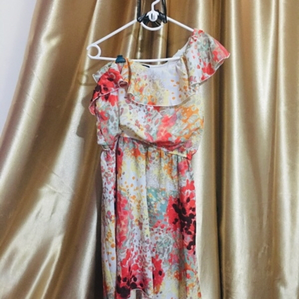 Used Off shoulder summer dress in Dubai, UAE