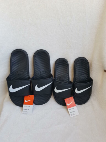 Used Unisex slippers in Dubai, UAE