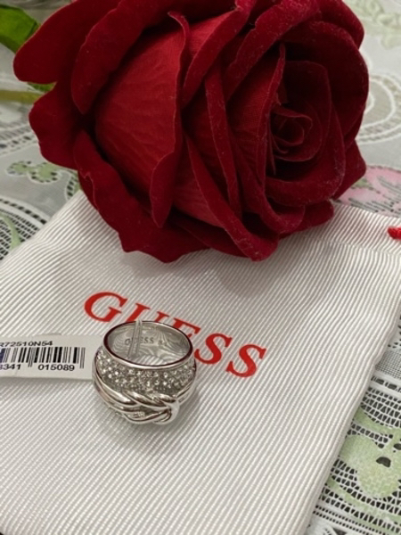 Used Authentic Guess Ring in Dubai, UAE
