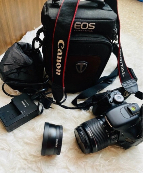 Used CANON 600D with original accessories in Dubai, UAE