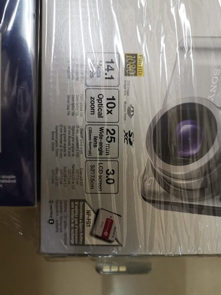 Used Sony camera original sealed not used in Dubai, UAE