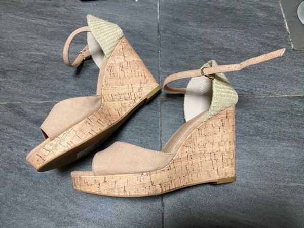 Used H&M shoes - new - size 39 in Dubai, UAE