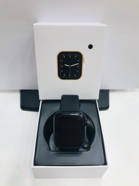 Used Smart Watch W26 Full Screen, Series 6. in Dubai, UAE
