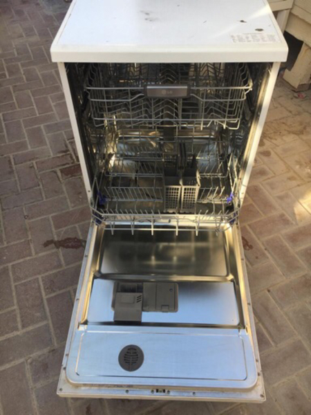 Used LG dishwasher in mint condition! in Dubai, UAE