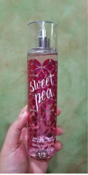 Used Bath and body perfume mist in Dubai, UAE
