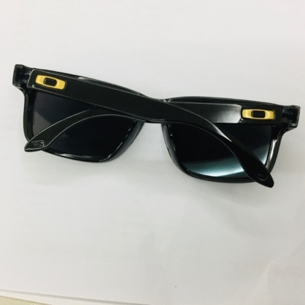 Used Sunglasses 🕶 in Dubai, UAE