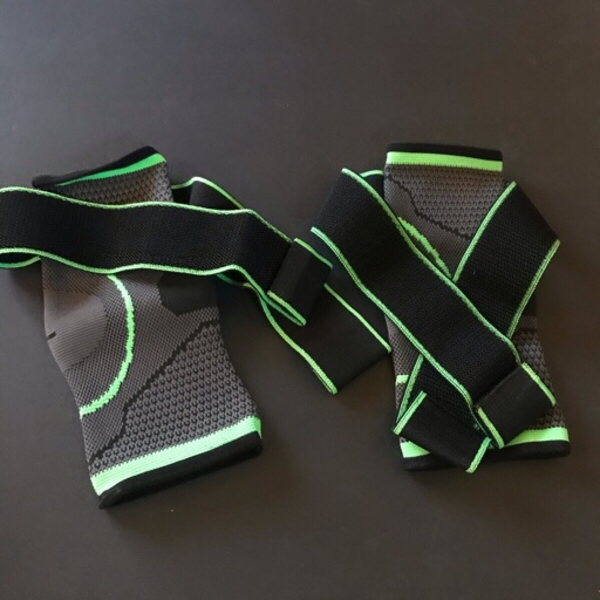 Used 3d ankle support 2pcs size large in Dubai, UAE