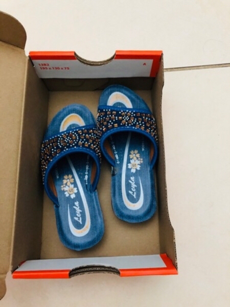 Used BABY GIRL SLIPPER NEW USED ONCE NLY in Dubai, UAE