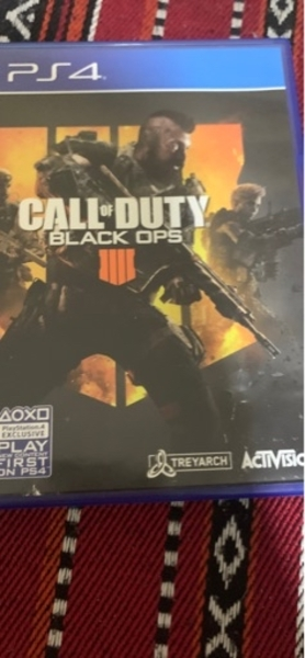 Used 2 Call of duty games for PS4 in Dubai, UAE