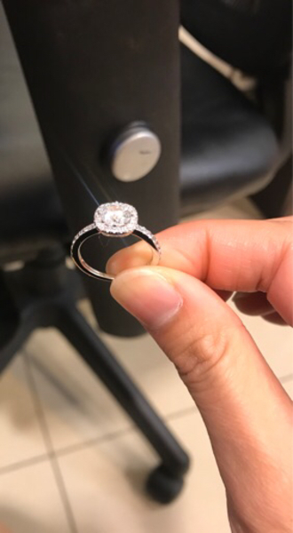 Used Silver diamond Wedding ring in Dubai, UAE