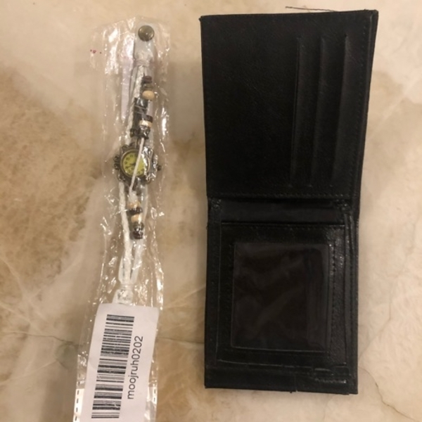Used محفظه،أسواره ساعه Purse, watch walls in Dubai, UAE